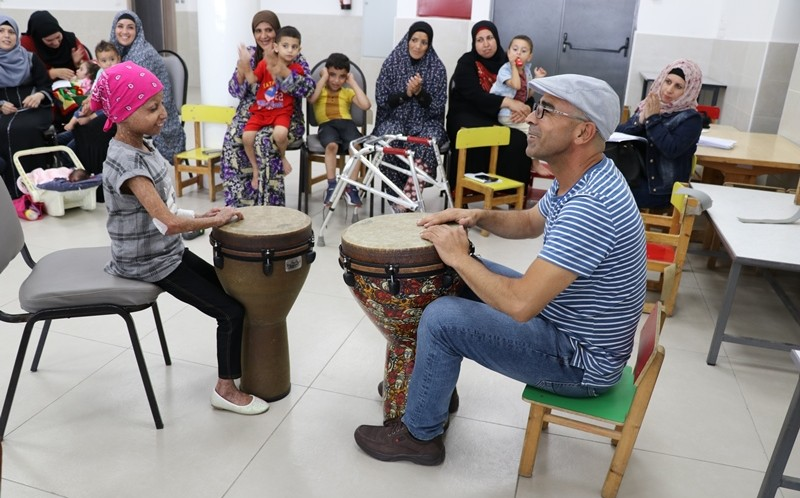 Music Therapy breaks through the barriers for Roleen